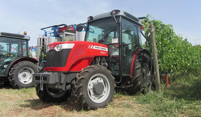 Massey Ferguson 3600 F traktor